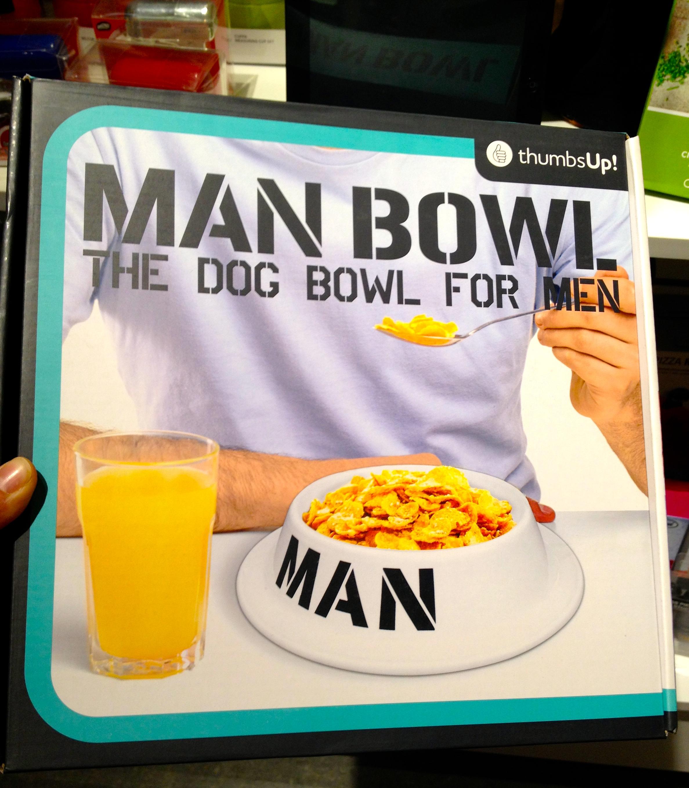 Man Bowl the Dog Bowl for Men produit de Thumbs Up - Photo de Cindy Cinnamon